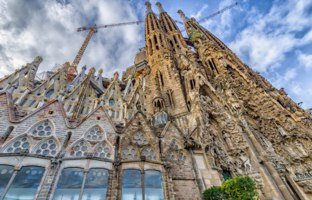 Барселона. Храм Святого Семейства (арх. А.Гауди). Sagrada Familia. Barcelona, Spain. Фото Ramanauz - Depositphotos