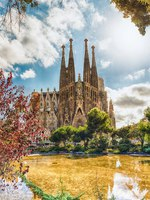 Барселона. Храм Святого Семейства (арх. А.Гауди). Sagrada Familia. Barcelona, Spain. Фото marcorubino - Depositphotos