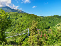 Клуб путешествий Павла Аксенова. Франция. Пиренеи. Panorama of Pyrenees with Cassagne Bridge, France. Фото Leonid_Andronov - Depositphotos