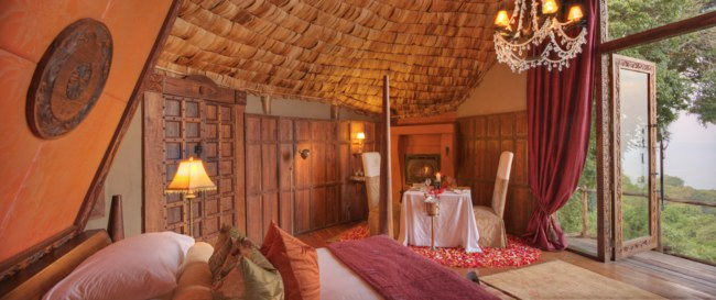 Клуб путешествий Павла Аксенова. Танзания. &Beyond Ngorongoro Crater Lodge. Размещение