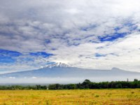 Танзания. Гора Килиманджаро. Mt. Kilimanjaro, the highest mountain of Africa. View from Tanzania. Фото znm666 - Depositphotos