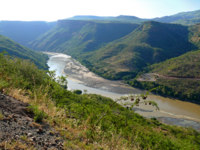 Уганда. Река Нил. Blue Nile, in the Canyon. Landscape of mountains around. Africa, Ethiopia. Фото Svetlana485 - Depositphotos