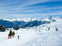 Франция. Куршевель. View at Courchevel ski resort, French Alps. Фото Depositphotos