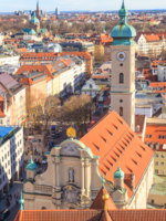 Munich Panorama with old city hall, Holy Spirit Church and Viktu. Фото Bertl123 - Depositphotos
