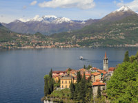 Италия. Озеро Комо. Fantastic landscape of Lake Come with Varenna village. Фото Malgorzata Kistryn Depositphotos
