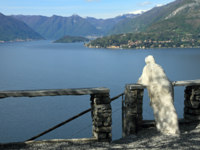 Италия. Озеро Комо. Admiring fantastic view of Lake Como. Фото Malgorzata Kistryn Depositphotos