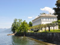 Италия. Озеро Комо. Белладжио. Villa Melzi at the famous Italian lake Como. Фото  Alexander Chaikin - Depositphotos