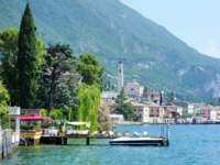 Италия. Озеро Гарда. Гарньяно. View of Gargnano, by the lake of Garda, Italy. Фото maximkabb -  Depositphotos
