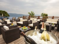 Италия. Озеро Гарда. Lefay Resort & Spa Lago di Garda. Pool Bar