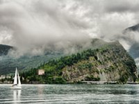 Италия. Озеро Гарда. Monte Brione by the Lake Garda, Italy. Фото maigi.com - Depositphotos