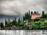 Италия. Озеро Гарда. Beautiful village by the Lake Garda, Italy. Фото maigi.com - Depositphotos