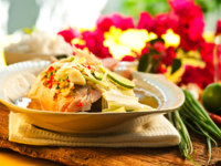 Thai food - Red snapper with garlic, chili, lemon grass and lemo. Фото p.studio66 - Depositphotos