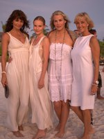 Helena-Christensen-Kate-Bosworth-Daryl-Hannah-and-Eva-Shivdasani-at-the-Barefoot-Gala-467