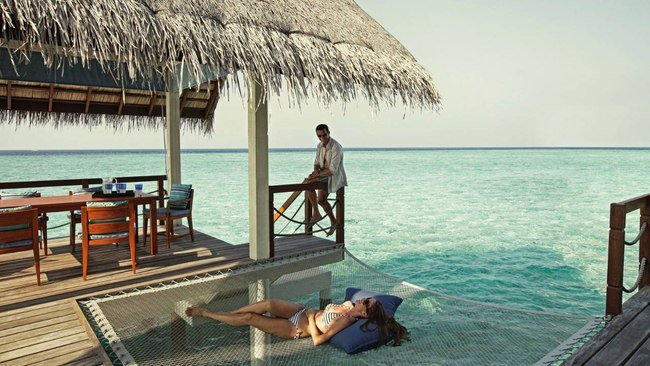 Мальдивы. Four Seasons Resort Maldives at Landaa Giraavaru. Two-bedroom Land & Ocean Suite