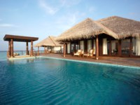 Мальдивы. Anantara Kihavah Villas. Two-bedroom Overwater Pool Residence. Swimming Pool