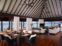 Мальдивы. Anantara Kihavah Villas. Two-bedroom Overwater Pool Residence. Lounge