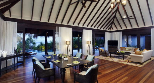 Мальдивы. Anantara Kihavah Villas. Three Bedroom Presidential Beach Residence. Living Room