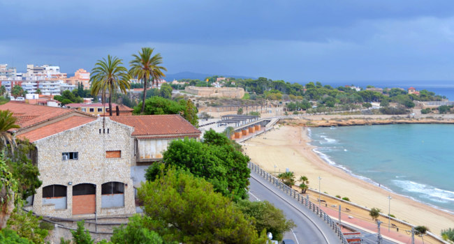 Испания. Каталония.  A panoramic view of Tarragona, in Spain. Фото Ferdiperdozniy - Depositphotos