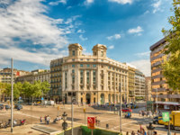 Испания. Каталония. Барселона. Aerial view of Passeig de Gracia, Barcelona, Catalonia, Spain. Фото marcorubino - Depositphotos