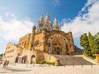 Испания. Каталония. Барселона. Tibidabo church on mountain in Barcelona. Фото Nanisimova_sell - Depositphotos