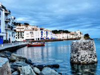 Испания. Коста Брава. Кадакес. View of village of Cadaques. Фото mletschert - Depositphotos