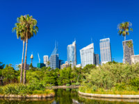 Skyscrapers of Sydney seen from Royal Botanical Garden. Australia, New South Wales. Фото Leonid_Andronov - Depositphotos