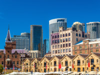 Old warehouses at Campbell's Cove Jetty in Sydney - Australia, New South Wales. Фото Leonid_Andronov - Depositphotos