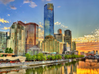 Sunset over the Yarra River in Melbourne - Australia, Victoria. Фото Leonid_Andronov - Depositphotos