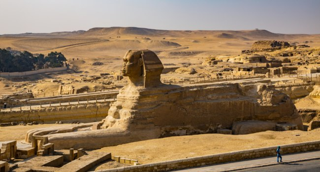 Египет. Гиза. Большой сфинкс. Scenic view of ancient monument of sphinx, Egypt. Фото sergemi-Depositphotos