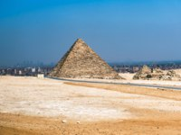 Египет. Пирамида Менкаура. The Pyramid of Menkaure, located on the Giza Plateau in the southwestern outskirts of Cairo, Egypt. Фото unitxi-Deposit