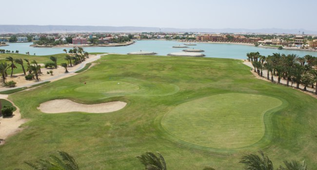 Египет. Эль-Гуна. El Gouna. Egypt, North Africa. Panoramic aerial view over large lagoon with luxury waterfront villa residences. Фото paulvinten - Depositphotos