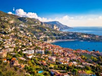 Лазурный берег Франции. Вильфранш. Villefranche sur Mer and French riviera coastline aerial view, Alpes-Maritimes region of France. Фото xbrchx - Depositphotos