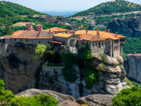 Греция. Метеора. The Holy Monastery of Varlaam at the complex of Meteora monasteries in Greece. Фото rossandhelen - Depositphotos