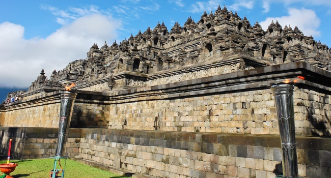 Клуб путешествий Павла Аксенова. Индонезия. Боробудур. Borobudur Temple, Indonesia. Фото boonsom - Depositphotos