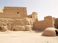 Иран. Йезд. Мейбод. The Narin Qal'eh or Narin Castle is a mud brick fort or castle in the town of Meybod, Iran. Фото ajlber - Depositphotos