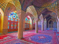 Иран. Шираз. Интерьер мечети Насир оль-Мольк. The winter prayer hall of Nasir Ol-Molk mosque, popular city landmarks in Shiraz.  Фото efesenko-Deposit