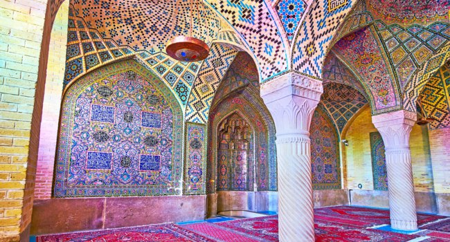 The Pink mosque is the must see landmark in city, it attracts the tourists with outstanding architecture and rich tiled decorations in Shiraz. Фото efesenko-Depositphotos