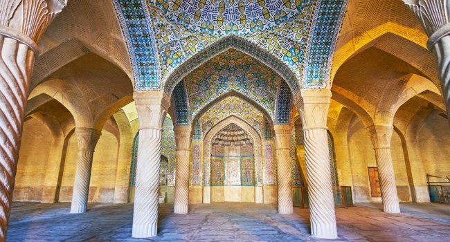 Иран. Шираз. Мечеть Вакиль. Vakil Mosque is one of the medieval religious landmarks of the city, it was constructed in traditional style in Shiraz. Фото efesenko - Dep