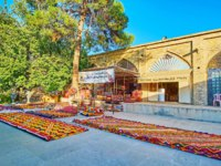 Иран. Шираз. Рынок Вакиль. The courtyard in Vakil Bazaar with carpet stores, workshops and warehouses, located in extant brick building in Shiraz. Фото efesenko-Deposit