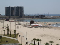 Израиль. Герцлия. Sand beach of the Mediterranean sea and modern hotels in Herzliya, Israel. Фото zhukovsky - Depositphotos