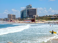 Израиль. Герцлия. Sand beach of the Mediterranean sea and modern hotels in Herzliya, Israel. Фото felker - Depositphotos