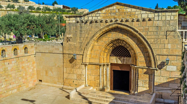 Израиль. Иерусалим. The facade of the Church of the Assumption (Mary's Tomb), located at the foot of Mount of Olives, Jerusalem, Israel. Фото efesenko-Depositphotos