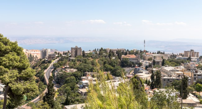 Израиль. Цфат. Panoramic view of the city Safed (Zefat, Tsfat) and the Sea of Galilee in northern Israel. Фото svarshik1.gmail.com-Depositphotos
