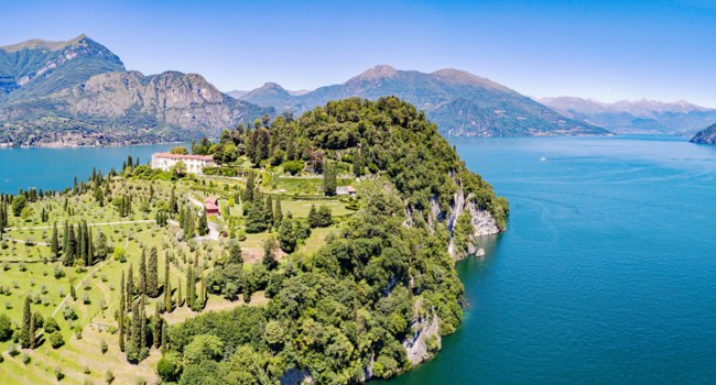 Клуб Павла Аксенова. Италия. Озеро Комо. Белладжио. Aerial view Bellagio - Pescallo - Lake Como (IT) - Park and Villa Serbelloni. Фото rebaisilvano - Depositphotos