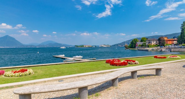 Италия. Озеро Маджоре. Стреза. Stresa, Lake Maggiore, Italy. located in Stresa, on Lake Maggiore, Piedmont region, north Italy. Фото elitravo - Depos