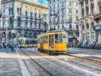 Италия. Трамвай на улицах Милана. Trams operating in the city centre of Milan, Italy. Фото marcorubino - Depositphotos