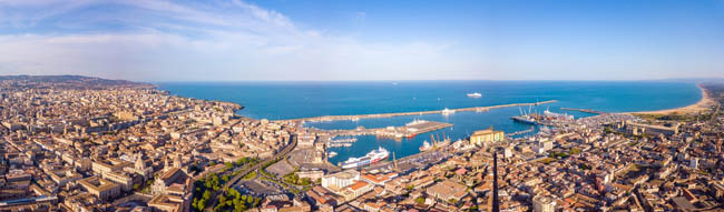 Италия. Сицилия. Катания. Beautiful aerial view of the Catania city on Sicily. Фото ingus.kruklitis.gmail.com - Depositphotos