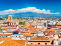 Италия. Сицилия. Катания. Aerial panorama of Catania and Vulcano Etna on the background, Sicily, Italy. Фото RS.photography - Depositphotos