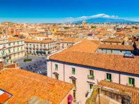 Италия. Сицилия. Катания. Cityscape of Catania with Mount Etna on the background, Sicily, Italy. Фото RS.photography - Depositphotos