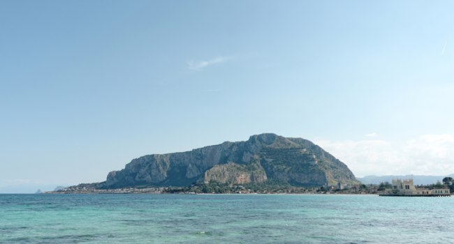 Клуб путешествий Павла Аксенова. Италия. О. Сицилия. Панорама Монделло. Gulf of mondello in Palermo, Italy. Фото leonardo1-Depositphotos